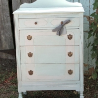 Elizabeth Petite Chest of Drawers
